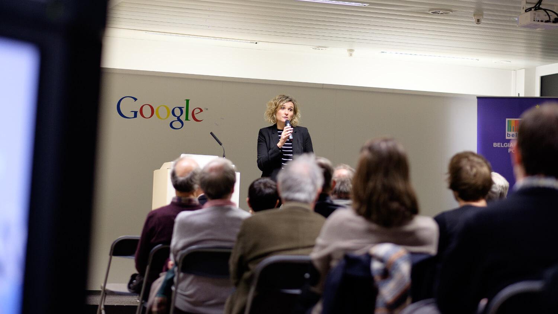 Delphine Jenart - Animation de la conférence d'Alex Wright chez Google, Bruxelles, 2014