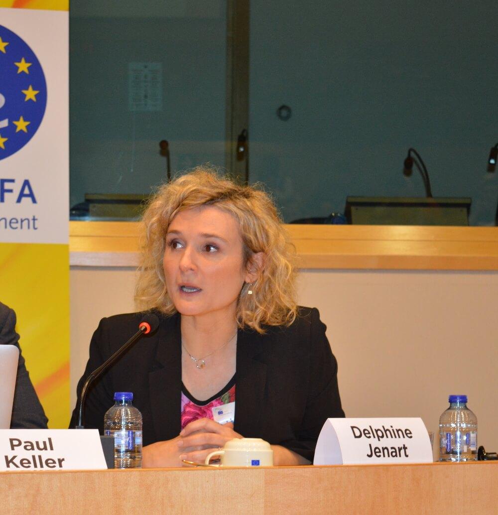 Delphine Jenart - Présentation du Mundaneum au Parlement européen, Bruxelles, 2014